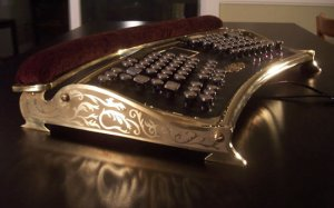 datamancer-ergo-steampunk-keyboard